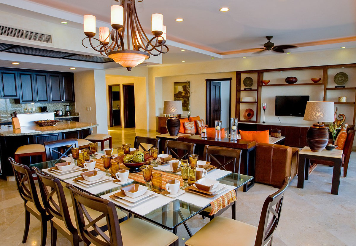 Living Spaces & Chef's Kitchen