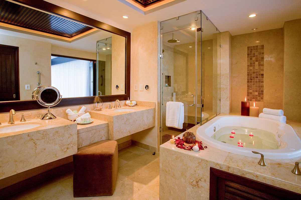 Luxurious Bedrooms and Bathrooms