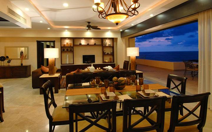 Oceanfront Penthouse - Living Room